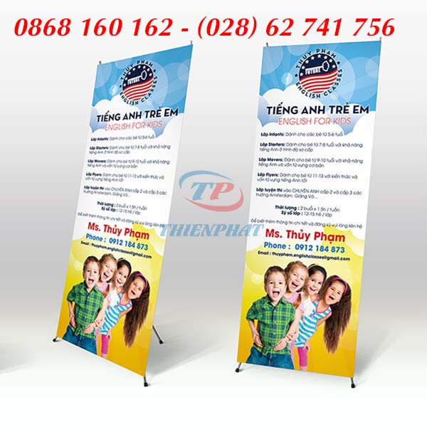 In standee trung tâm tiếng anh, thiết kế standee đẹp